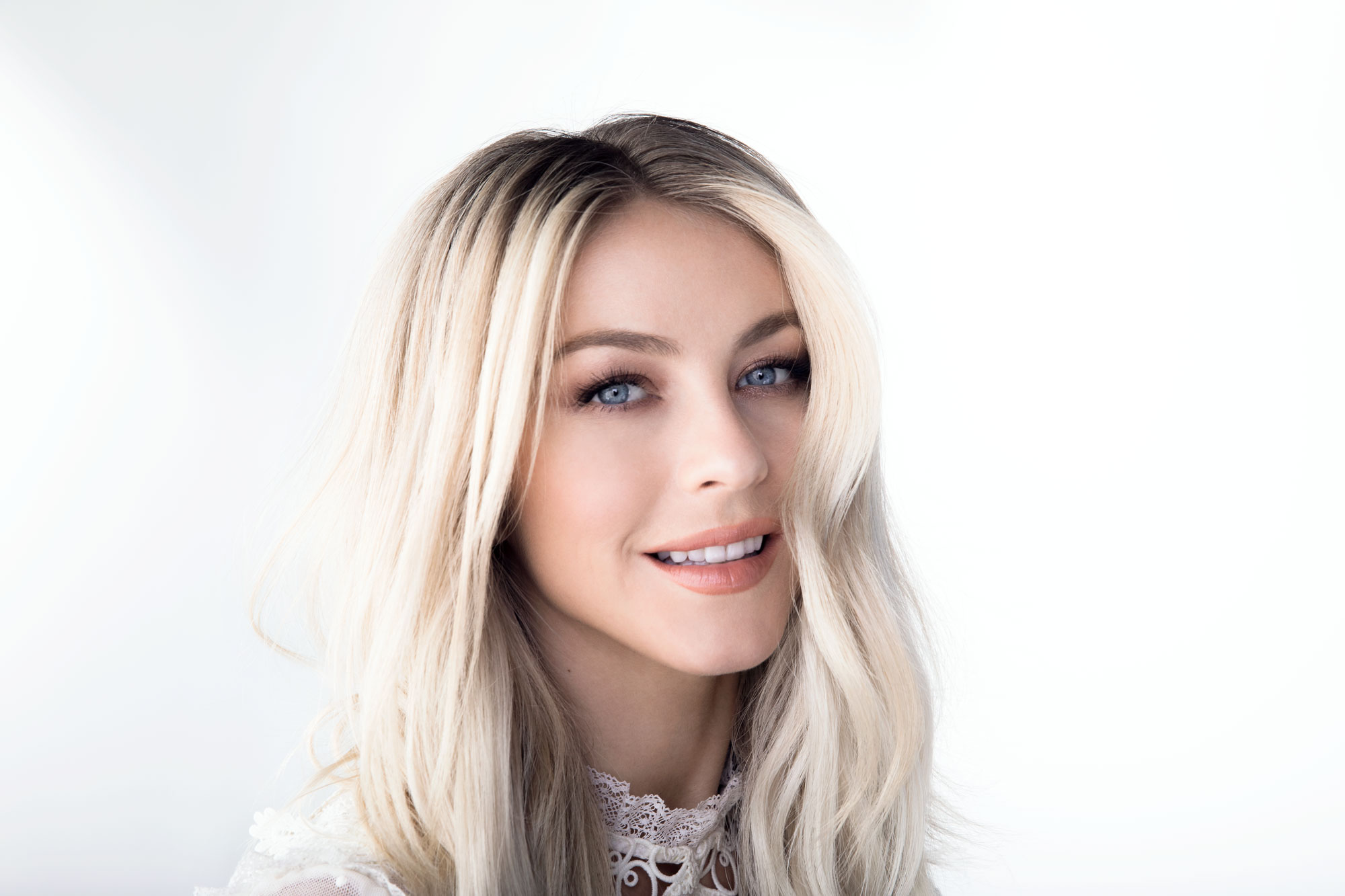 #MeinEndo w/Julianne Hough for Medical Dynamics + AbbVie  - Campaign Photography